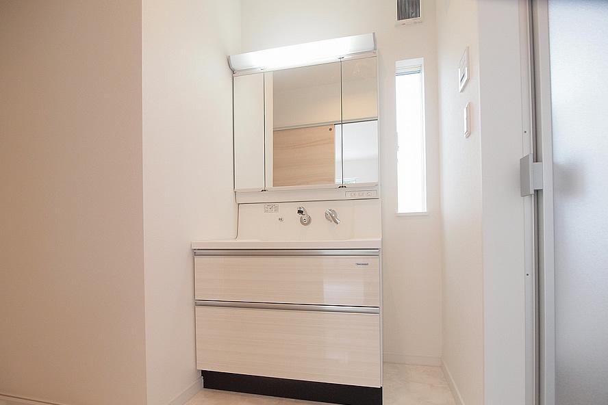 900mワイド洗面化粧台